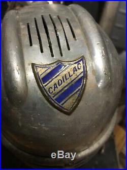 Aspirateur annees 50/60 de marque Cadillac